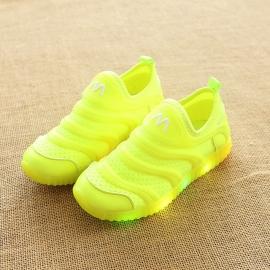 LIc-8-3-bo4.Marimea 22,Adidasi verde neon cu luminite