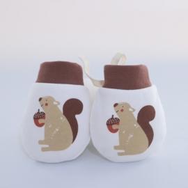 MDST099-4.0-6 luni,Manusi albe de protectie pentru bebelusi - Veverita